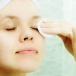 Como Fazer Removedor de Maquiagem Caseiro
