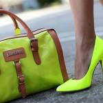 A Moda Agora São Sapatos Fluorescentes